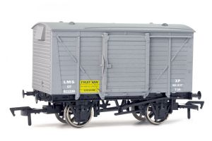 Dapol 4F-011-007 LMS Fruit Ventilated Van